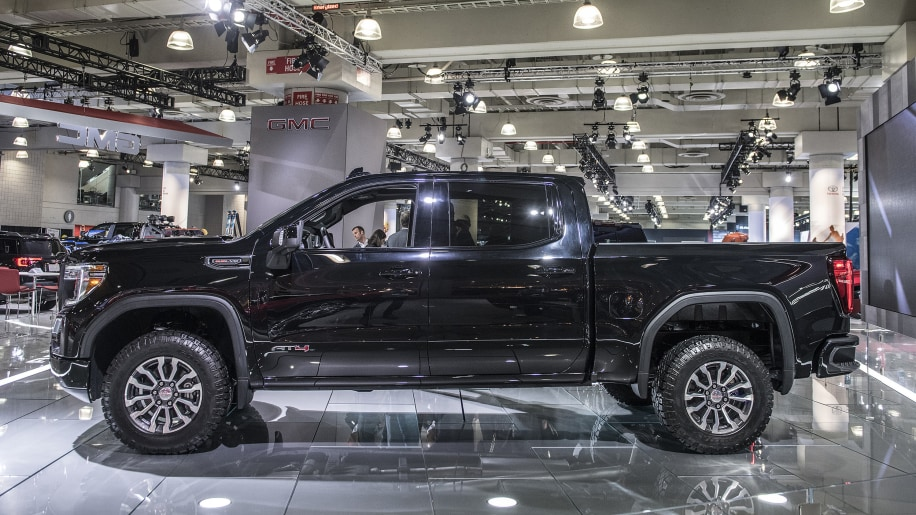 2019 GMC Sierra AT4 off-road package revealed in New York ...
