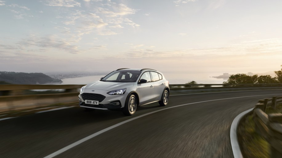 Ford Focus Active Photo Gallery - Autoblog
