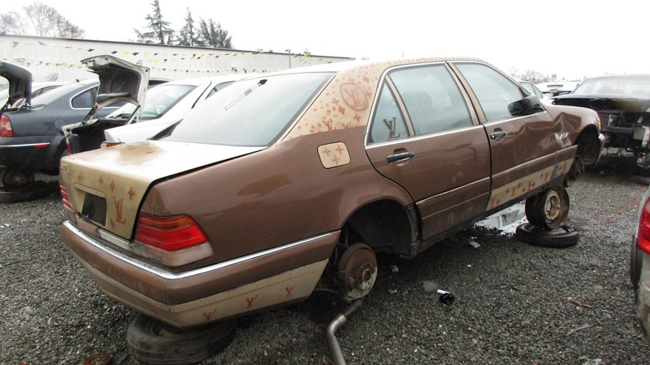 Junked 1995 mercedes benz s320 photo gallery autoblog for Mercedes benz s320 price
