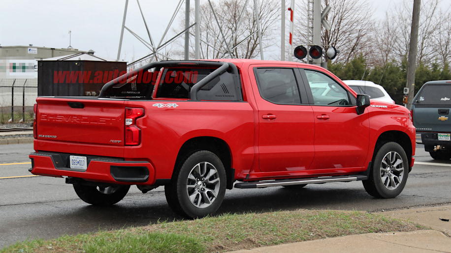 Chevrolet Silverado RST spied without camouflage - Autoblog