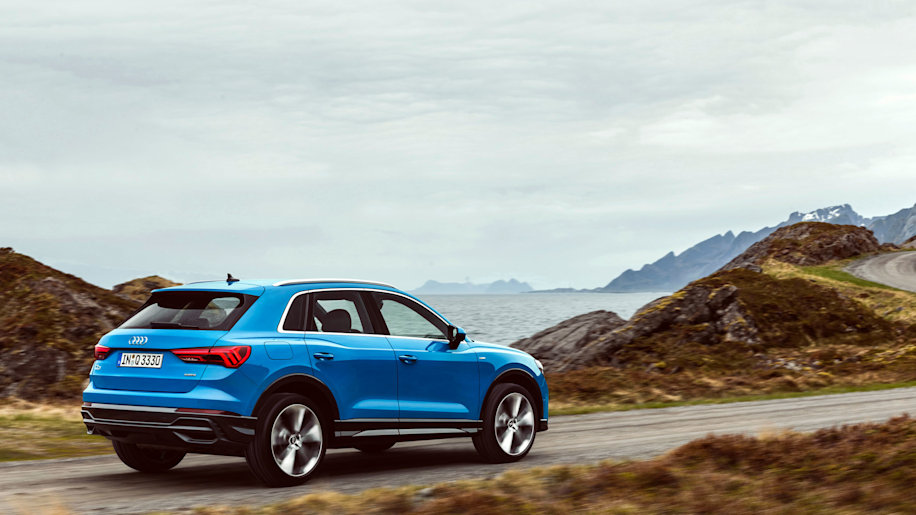 new 2019 audi q3 is bigger and gets more tech features autoblog. Black Bedroom Furniture Sets. Home Design Ideas