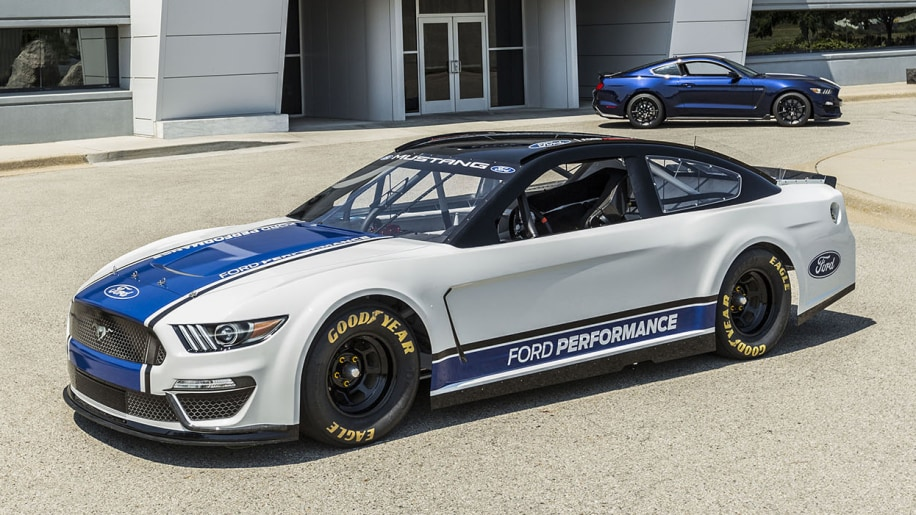 2019 Ford Mustang NASCAR revealed for Monster Energy series - Autoblog