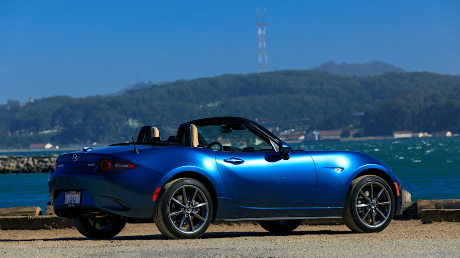 2019 mazda mx 5 miata first drive review autoblog. Black Bedroom Furniture Sets. Home Design Ideas