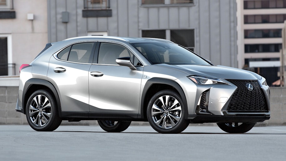 2019 lexus ux 200 ux 250h the cheapest lexus models autoblog. Black Bedroom Furniture Sets. Home Design Ideas