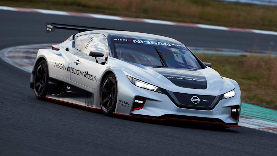 Nissan reveals Leaf Nismo RC race auto that won't actually race