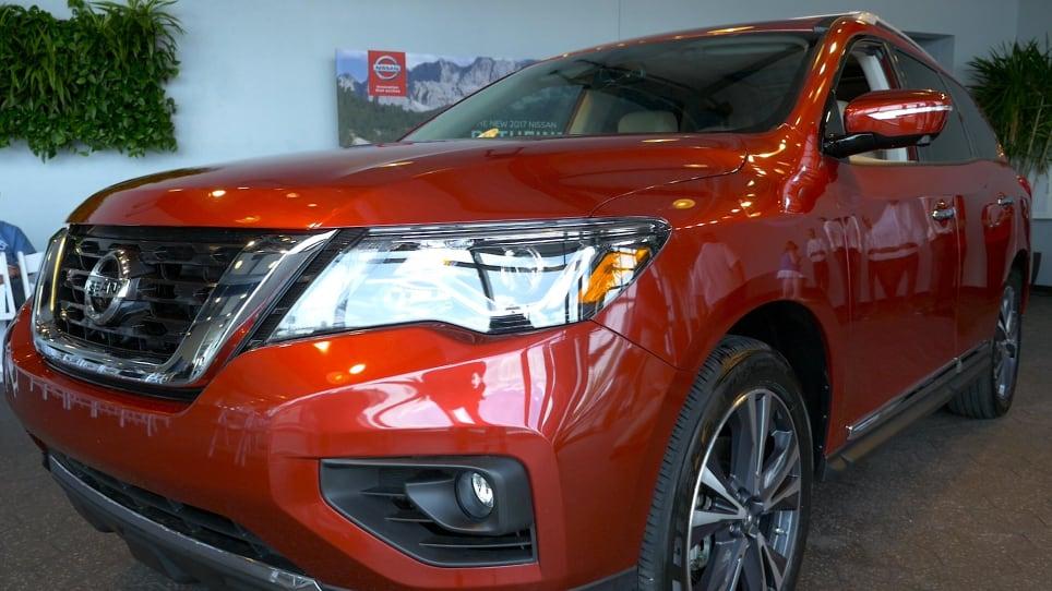 2017 Nissan Pathfinder Videos | Autoblog