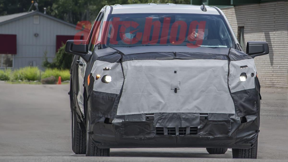 2018 - [Chevrolet / GMC] Silverado / Sierra - Page 3 Silverado.facelift.g02.KGP_