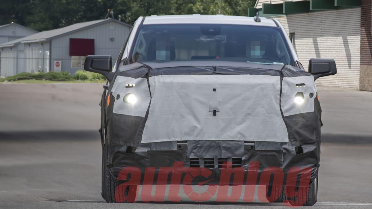 2018 - [Chevrolet / GMC] Silverado / Sierra - Page 3 Silverado.facelift.g03.KGP_