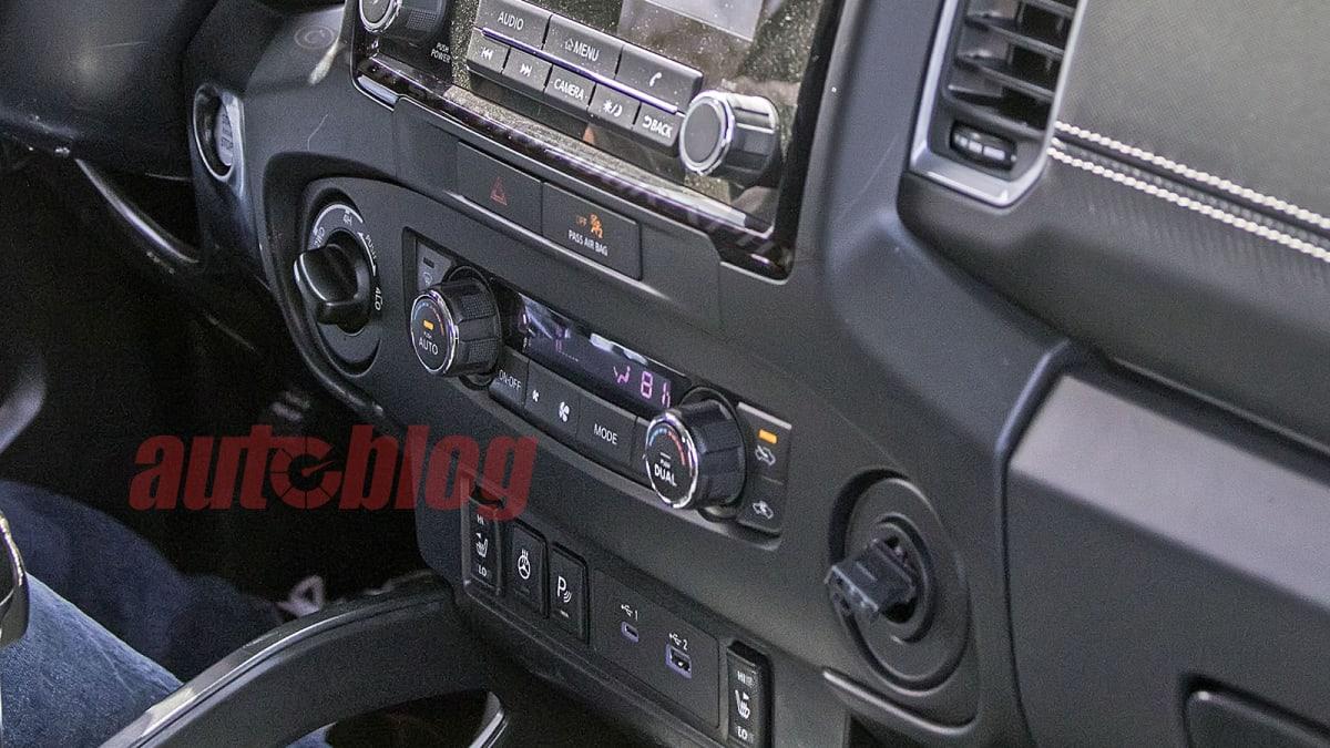 2021 - [Nissan] Frontier/Navara  NissanFrontier.int05w.KGP_