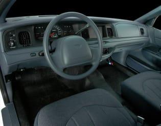 2000 chrysler concorde vs 2000 ford crown victoria and 2000 hyundai sonata interior photos autoblog autoblog
