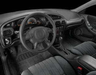 2001 mercury grand marquis vs 2001 pontiac grand prix and 2019 jeep grand cherokee interior photos autoblog 2001 mercury grand marquis vs 2001