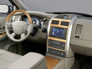 2008 Chrysler Aspen Vs Ford Expedition And 2017 Pacifica Interior Photos
