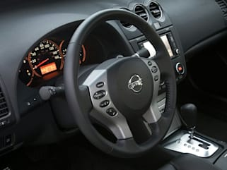 Compare 2009 Nissan Altima Interior Photos
