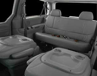 2000 oldsmobile silhouette vs 2000 chrysler town amp country and 2000 chevrolet venture interior photos autoblog 2000 oldsmobile silhouette vs 2000