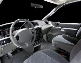 2001 ford windstar vs 2001 chevrolet venture and 2017 chrysler pacifica interior photos autoblog 2001 ford windstar vs 2001 chevrolet