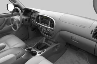 2002 nissan pathfinder vs 2002 toyota sequoia and 2002 toyota 4runner interior photos autoblog 2002 nissan pathfinder vs 2002 toyota