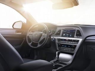 2016 Hyundai Sonata Hybrid Vs Chevrolet Malibu And 2019 Toyota 4runner Interior Photos