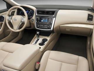 2017 Nissan Altima Interior >> 2017 Nissan Altima Vs 2017 Toyota Camry And 2017 Toyota