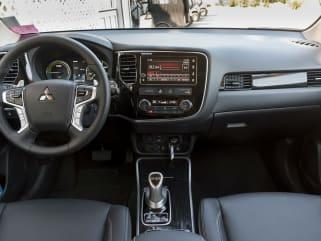 2018 Mitsubishi Outlander PHEV vs 2018 Toyota RAV4 Hybrid and 2019