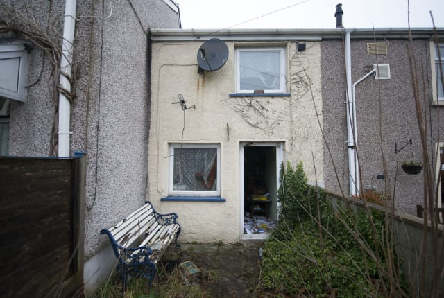 Inside 'Britain's cheapest house'
