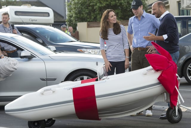 Kate and William in sailing race in New Zealand