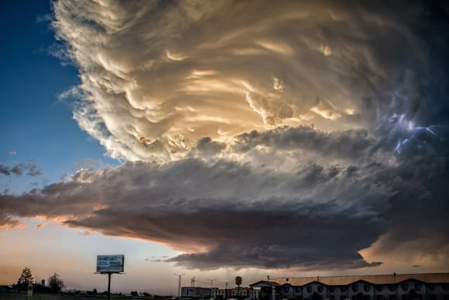 UFO-shaped storm over Roswell, New Mexico
