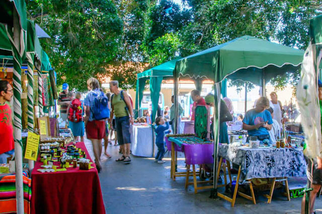 Seven street markets on the seven Canary Islands