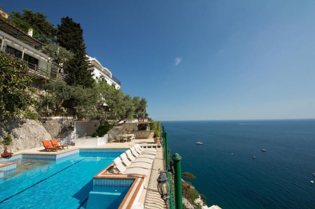 Ten holiday villas with beautiful swimming pools