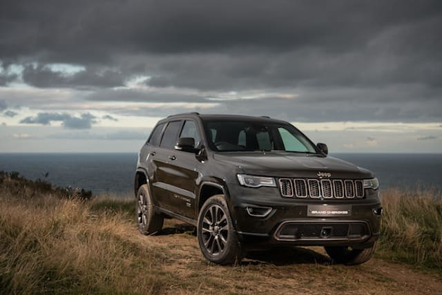 Jeep opens pop-up dealership, accessible only by 4x4