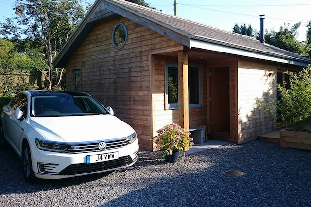 First UK Drive: Volkswagen Passat GTE Advance