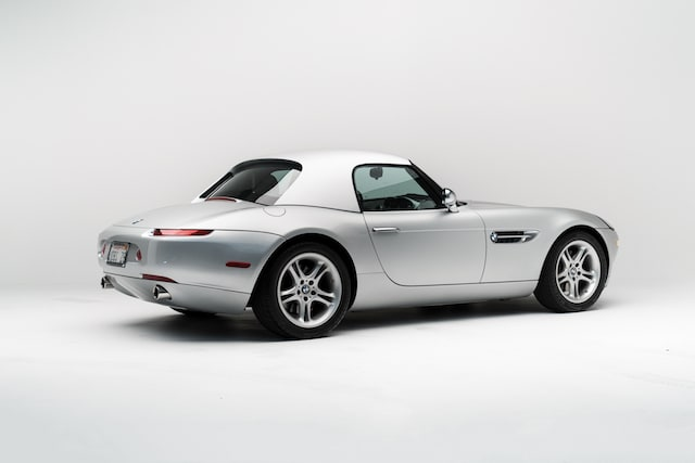 BMW Z8 formerly owned by Steve Jobs goes up for sale