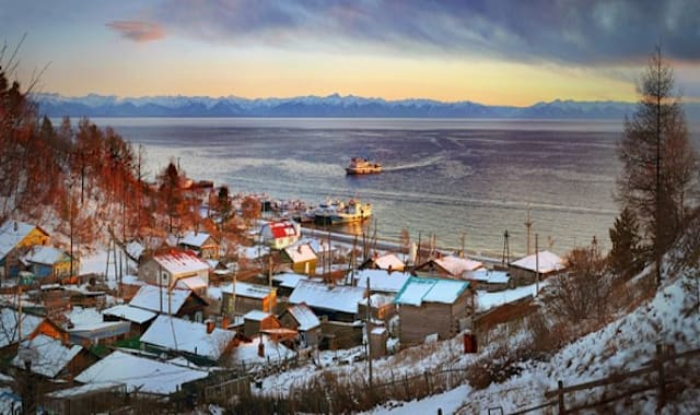 The Baikal Ice Marathon in pictures