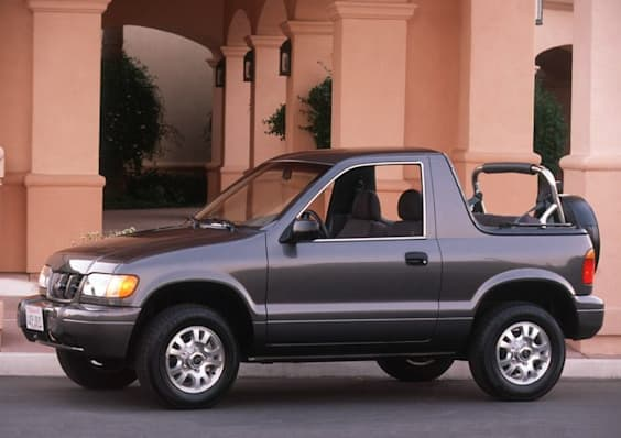 2002 kia sportage base 2dr 4x4 pricing and options. Black Bedroom Furniture Sets. Home Design Ideas