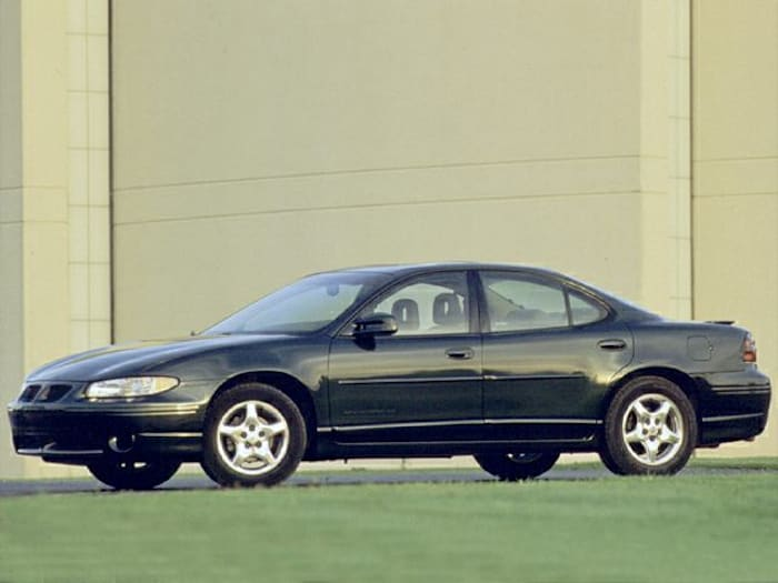 2000 pontiac grand prix gt 4dr sedan specs and prices. Black Bedroom Furniture Sets. Home Design Ideas