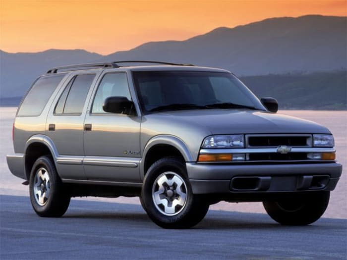2002 chevrolet blazer ls 4dr 4x4 specs and prices. Black Bedroom Furniture Sets. Home Design Ideas