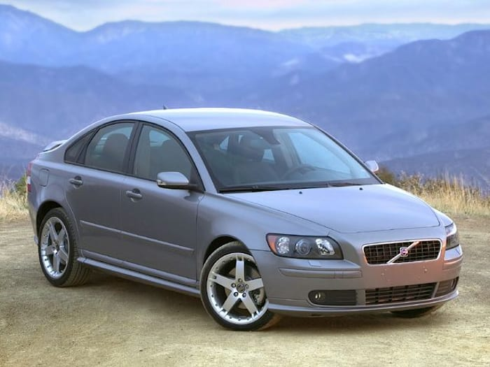 2004 Volvo S40 2.4i M 4dr Sedan Pricing And Options