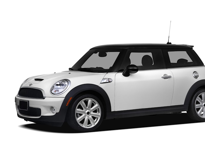 2010 mini cooper s safety features. Black Bedroom Furniture Sets. Home Design Ideas
