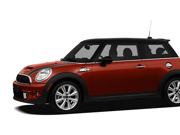 2011 mini cooper s safety features. Black Bedroom Furniture Sets. Home Design Ideas