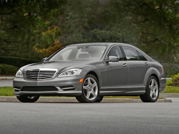 2010 mercedes benz s class base s550 4dr all wheel drive for Pros and cons of owning a mercedes benz