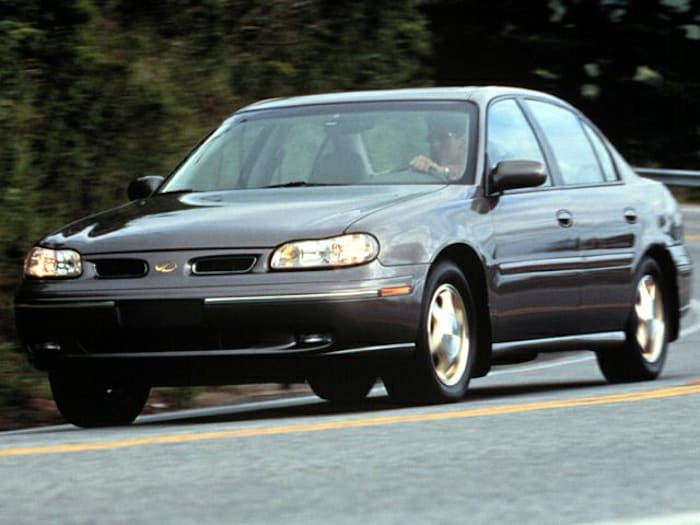 23+ 1999 Oldsmobile Cutlass