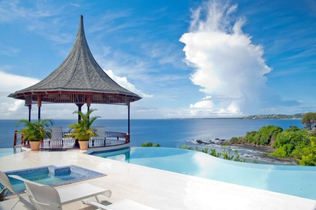 Holiday rentals with amazing pools
