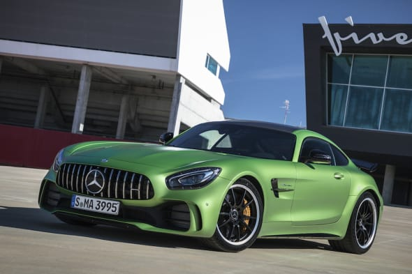 Der neue Mercedes-AMG GT-R / Portimao 2016AMG green hell magno / Leder Exklusiv Nappa/Mikrofaser DINAMICA schwarz mit Kontrastziernaht gelbAMG GT-R:Kraftstoffverbrauch kombiniert:  11,4 l/100 km, CO2-Emissionen kombiniert: 259 g/kmThe new Mercedes-AMG GT-R / Portimao 2016AMG green hell magno  / Exclusice nappa leather/DINAMICA microfiber black with yellow contrasting topstitchingAMG GT-R:Fuel consumption, combined:   11.4 l/100 km, CO2 emissions, combined:  259 g/km