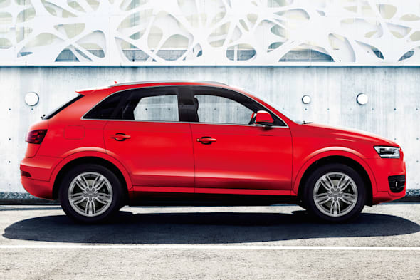Audi Q3 color selection - Misano Red