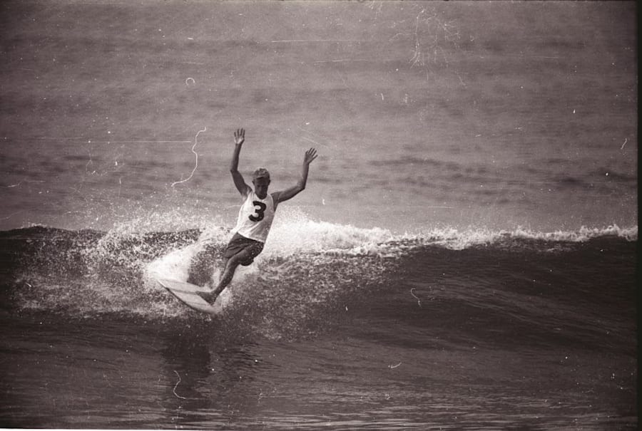 Midget Farrelly winning the World Surfing Championship in
