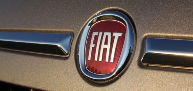 2013 Fiat 500e badge