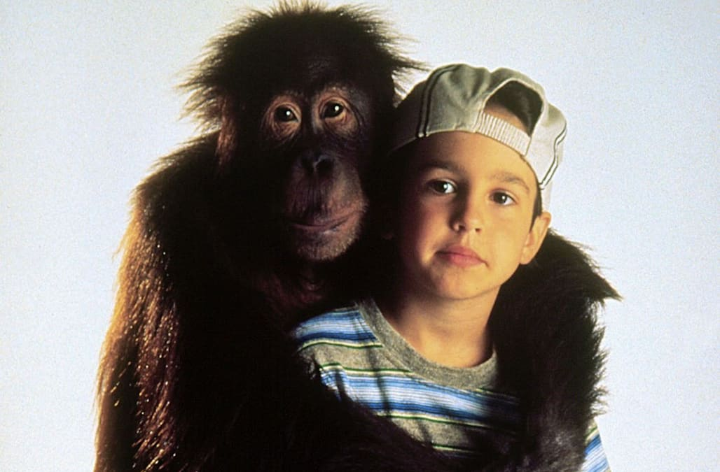ERIC LLYOYD & ORANGUTAN DUNSTON CHECKS IN (1996)