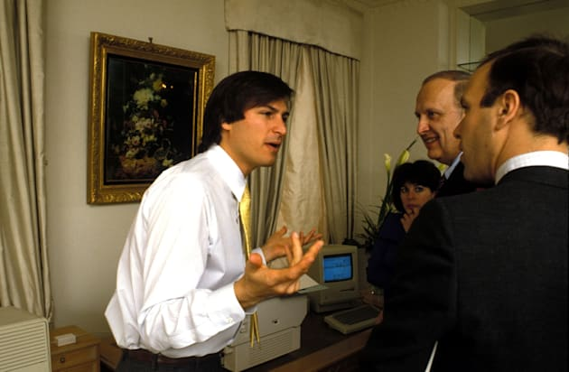 Sept. 2, 1985 - New York, New York, U.S. - FILE 1985. CEO of Apple STEVE JOBS speaks passionately during a meeting.(Credit Image: � ZUMA Press