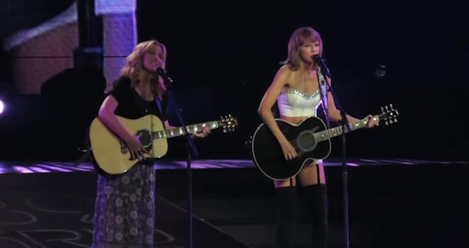 taylor swift, lisa kudrow, smelly cat
