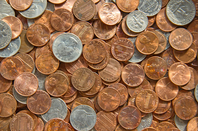 Bank hides 100 lucky pennies across USA