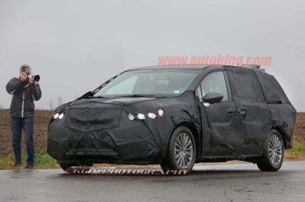 Acura minivan spy shots